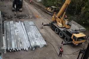 В Брянске для Первомайского моста из 440 свай забили уже 130