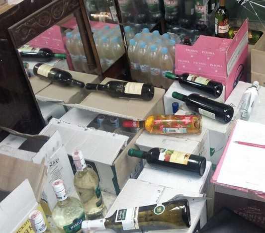 Брянская полиция пресекла торговлю пойлом в гараже