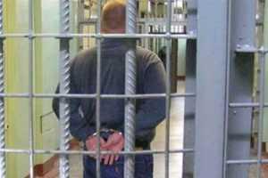Юный разбойник получил 3,5 года за налёт на брянскую автозаправку