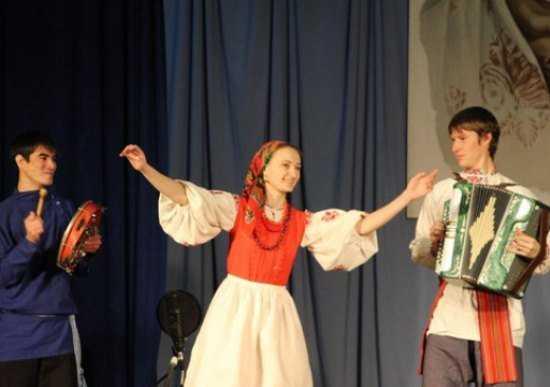 Брянская певица покорила жюри частушками на всероссийском конкурсе