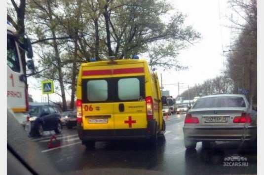 В ДТП около брянского «Аэропарка» пострадали четыре человека