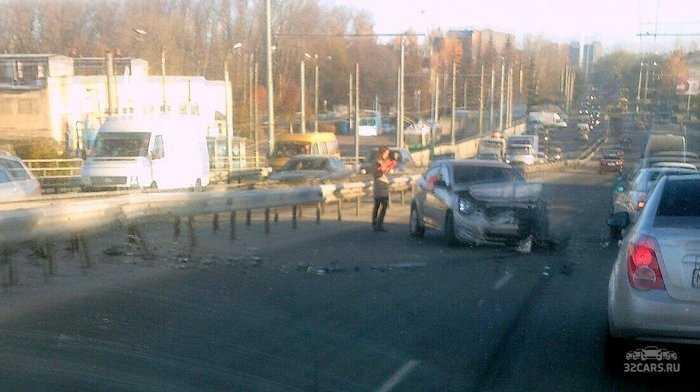Движение в Брянске парализовано в результате аварий