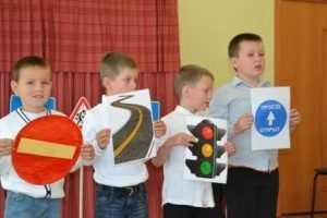 Прокуратура велела поставить знаки возле брянских школ