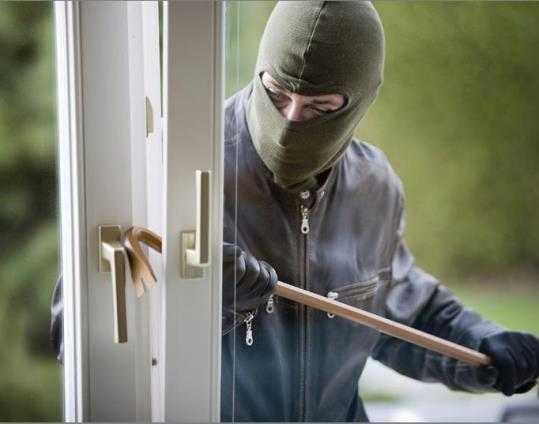 Четверых брянцев будут судить за 15 квартирных краж