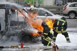 В брянском райцентре сгорел микроавтобус