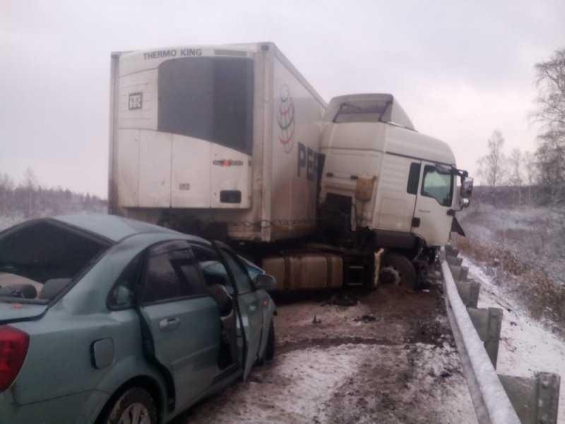 В аварии на трассе «Украина» под Брянском погибли 5 человек