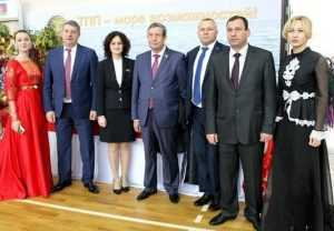 Брянск и Абхазия будут обмениваться техникой, картоном и щебнем