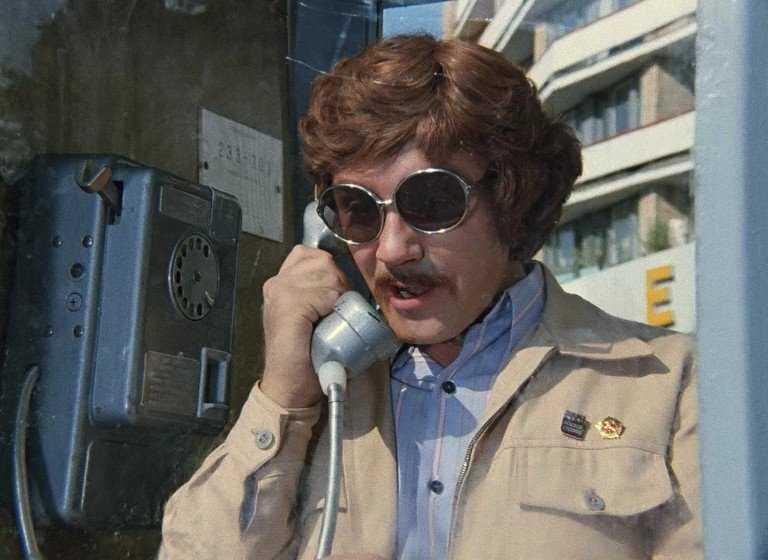 Телефонный мошенник обманул жителя Брянска, пообещав устроить на работу