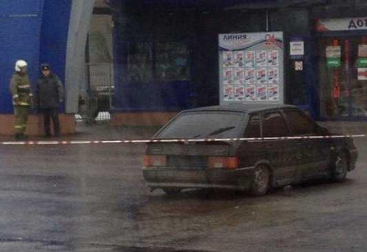 В Брянске посетителей «Линии» напугали подозрительным автомобилем