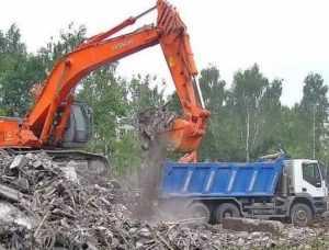 Глава Брянска велел наказывать застройщиков за мусор на дорогах