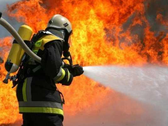 Во время пожара в брянской деревне пострадала женщина