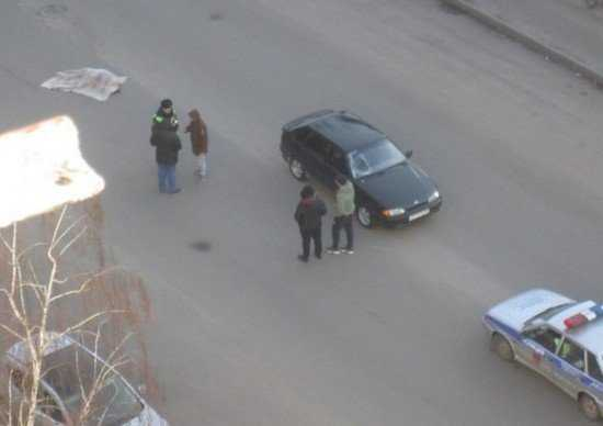 Брянец погиб под колесами автомобиля