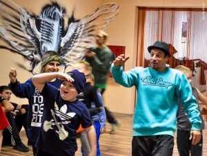 Герой «Танцев» Виталий Гришутин решил оживить брянскую молодежь