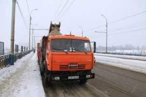 Брянские власти попросили убрать автомобили с улиц