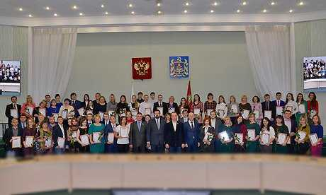 Брянские волонтеры получили награды