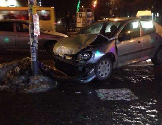 Молодая брянская автомобилистка попала в ДТП около «БУМ сити»