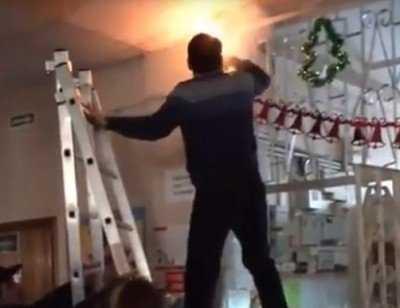 Возгорание в школе №2 Брянска вызвало восторг учеников