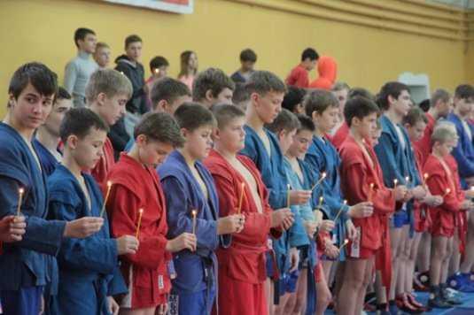 В Брянске прошёл турнир по самбо памяти погибших лётчиков