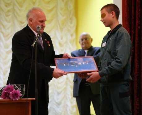 Виктор Афанасьев рассказал юным заключенным о космосе