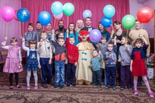 Православная молодёжь подарила сладкий праздник брянским детям