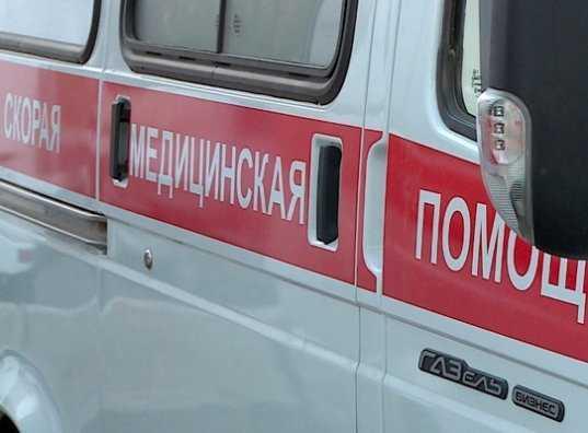В Брянске «скорая помощь» протаранила иномарку – ранена женщина