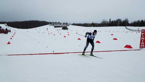 Брянский лыжник Максим Ковалев победил на «Сыктывкарской лыжне»