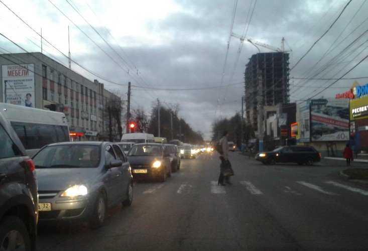 Полиция ищет очевидцев наезда на пешехода в центре Брянска