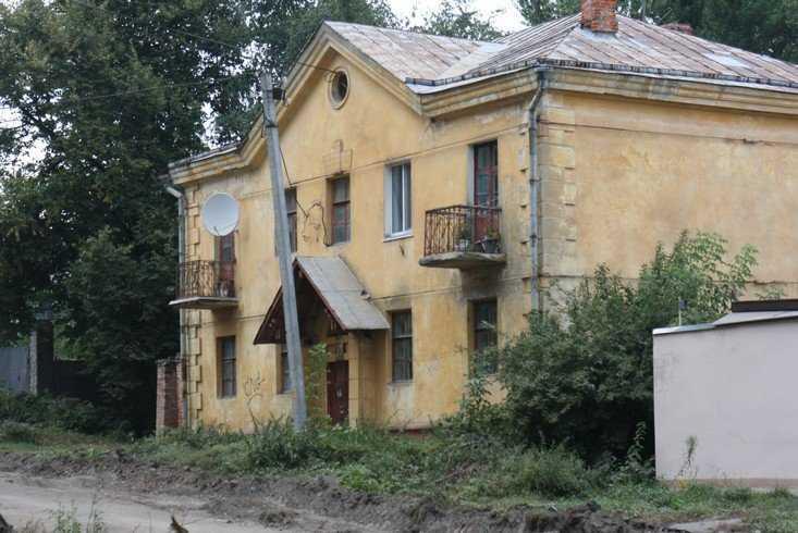 Брянская прокуратура велела переселить жильцов разваливающихся домов