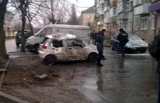 В Брянске пьяный водитель взлетел на «Опеле» и протаранил две машины (видео)