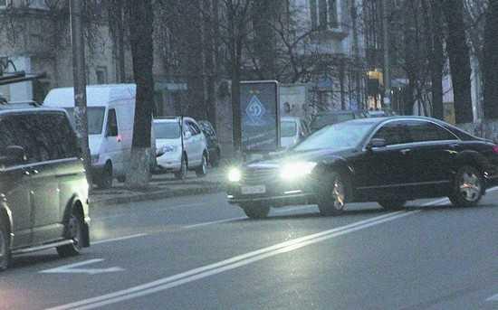 В погоне за попкорном семья Порошенко лихо прокатилась по Киеву