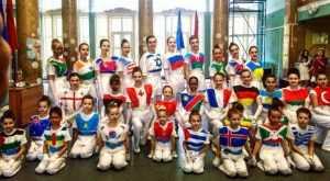 Брянцы посредством танца выступили за равенство и единство