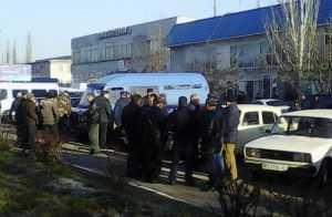 Херсонцы взбунтовались против ислямовских бандитов на границе с Крымом
