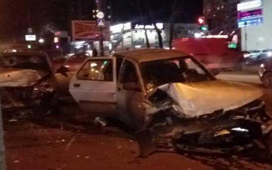 Шесть человек ранены в ДТП на брянском перекрестке