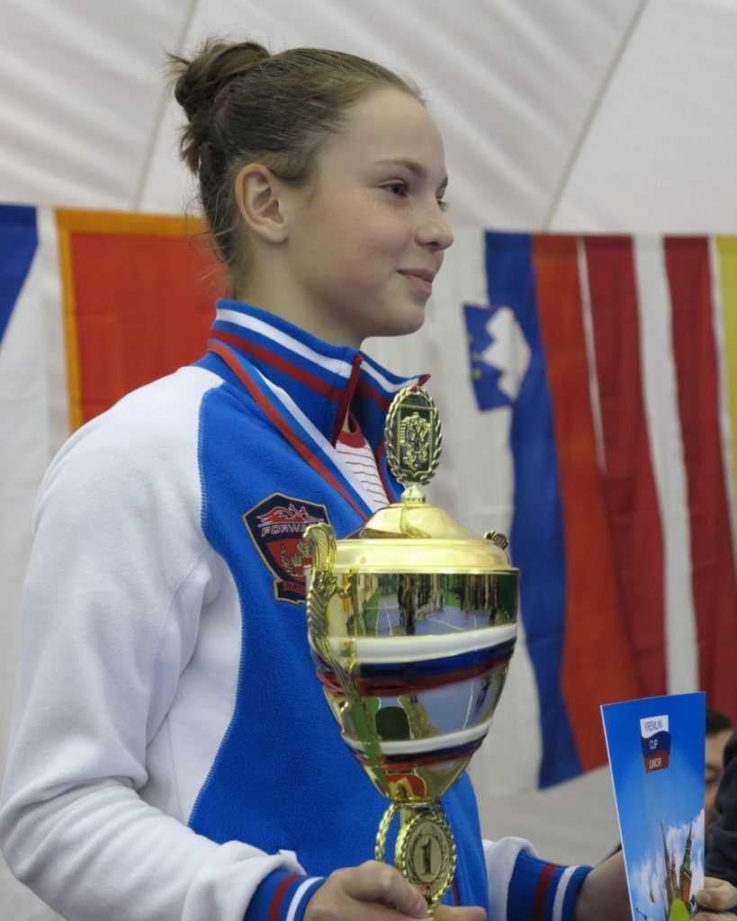 Юная брянская теннисистка пожаловалась на нехватку денег