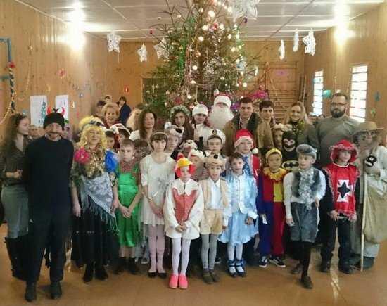 Брянские энергетики поздравили ребят из дома-интерната с Новым годом