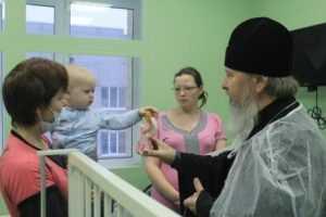 Митрополит Александр поздравил с праздником брянских детей