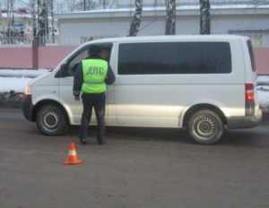 В Брянске гаишники задержали 19 маршрутчиков и 49 пешеходов
