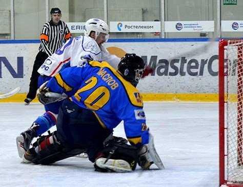 Хоккейная дружина Брянска сыграла на пятёрку