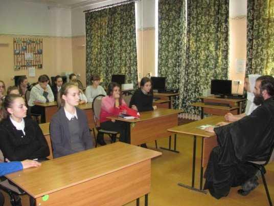 Брянским школьницам священник рассказал о последствиях абортов