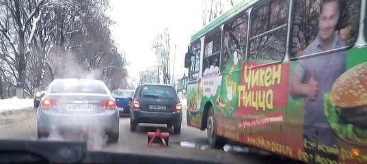 В Брянске затор парализовал движение на улице Калинина