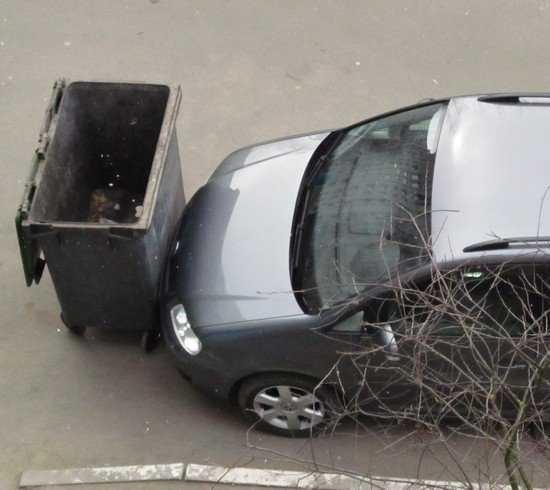 В Брянске каждой семье дадут два парковочных места