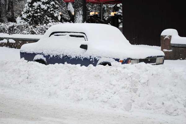 Градоначальник Брянска приказал очистить от снега парки