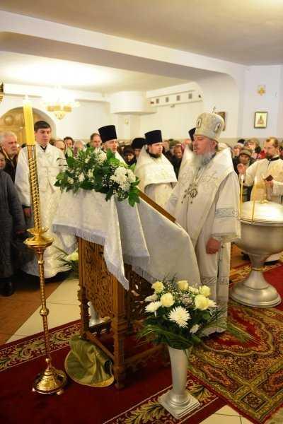Митрополит Брянский и Севский Александр совершил Всенощное бдение
