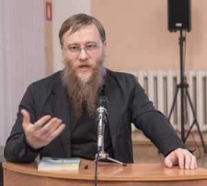 Валерий Коровин рассказал брянцам о борьбе империи со злом