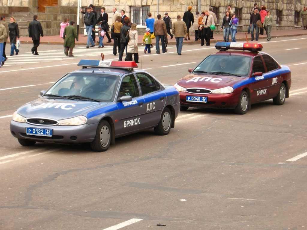 Сдернувший с мопеда женщину брянский инспектор ДПС отправлен под суд