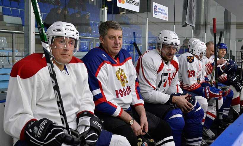 Брянский губернатор Александр Богомаз открыл областной чемпионат по хоккею