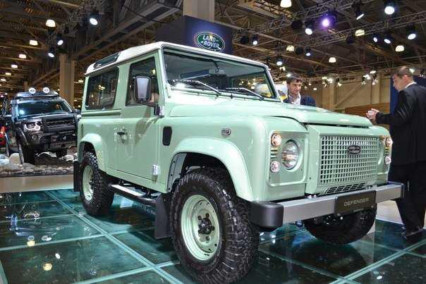 Выпущен последний Land Rover Defender