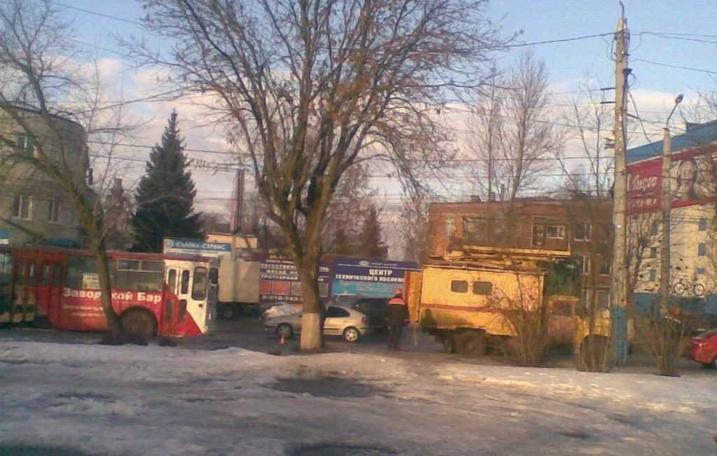 В Брянске из-за аварии на троллейбусной линии образовался затор