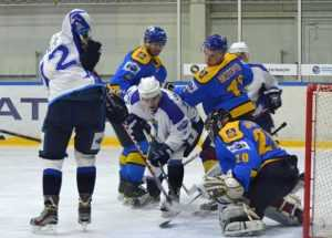 Хоккейный «Брянск» дважды разделался с «Белгородом»