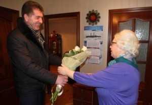Глава Брянска поздравил с юбилеем основательницу первого лицея